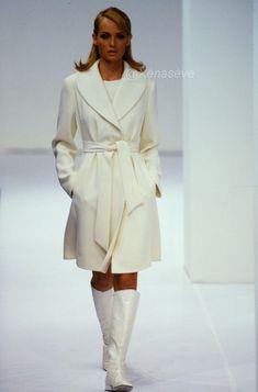 Fall/Winter 1995 Amber Valletta, Fall Winter, Runway, Vintage Fashion, Shirt Dress, Shirts, Dresses, Dress, Cat Walk