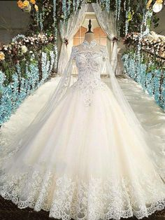 432cfb1e97 Look how far back the train goes. Gorgeous! Top Wedding Dresses