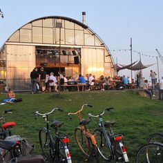 The venue's campfire is host to live music, DJs and events attended by locals and travellers alike; being just a free ferry hop away from the perennially popular city means there's always plenty of people dropping in to see what's going on...