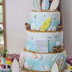 Amei esse bolo para festa infantil tema Praia, lindo demais! Por @wondercakesoficial #kikidsparty