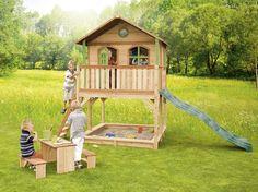 Marc ist ein großes Holz-Spielhaus mit einer breiten Veranda auf einer hohen Unterkonstruktion. Wenn du willst, kannst du hier sogar…