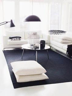 I love black rugs. Don't know why. But I do.