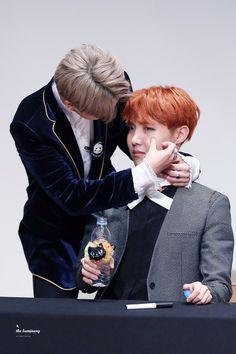 BTS | Jimin wiping away K-hope's tears at fanmeet