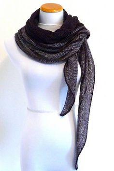 Ravelry: Passeggiata shawl in DyeForWool Fingering // Merino/Silk - knitting pattern by Janina Kallio.