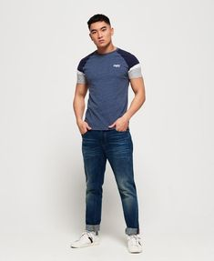T-shirt a maniche corte Engineered Baseball da Uomo Superdry Baseball Shorts, High Fashion, Mens Fashion, Cool Poses, Photography Poses For Men, Quality T Shirts, Superdry, Short Sleeves, Ralph Lauren