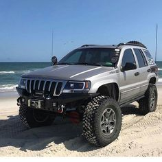 Save by Hermie Jeep Grand Cherokee Laredo, Jeep Grand Cherokee Limited, Cherokee 4x4, Jeep Zj, Jeep Truck, Accessoires 4x4, Overland Truck, Custom Jeep, Jeep Mods