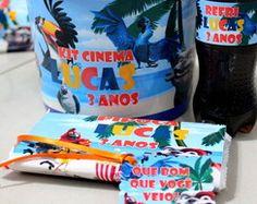 Kit cinema com pipoca de microondas, refrigerante e chocolate no balde!