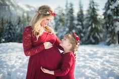 Maternity, snow maternity, maternity pose, Snowy Maternity Session {Seattle Maternity Photographer} - Kamikay Photography