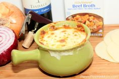 Did you know it is easy to make your very own French Onion Soup?  Forget the packages or cans, you can whip it up simply at home!