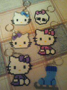 Llaveros Hello Kitty hama beads