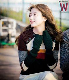 HanHyoJoo W World Most Beautiful Woman, Beautiful Asian Women, Korean Actresses, Korean Actors, Han Hyo Joo Fashion, Korean Women, Korean Girl, W Two Worlds Wallpaper, Korean Beauty