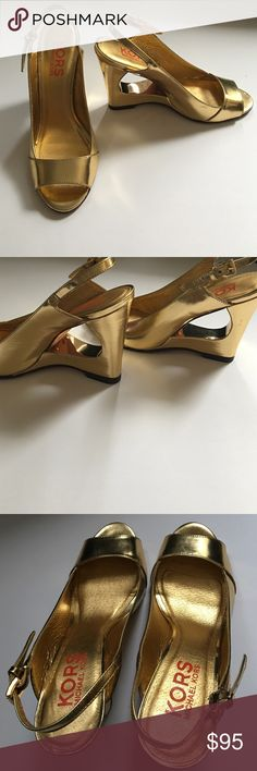 Stunning Michael Kors shoes Stunning Michael Kors gold high heeled shoes with cut out heels // size 8 // have been worn a few times, if that // a couple minor scuff marks from normal wear // these are total showstoppers // don't pass these beauties up! HOT HOT HOT 🔥 KORS Michael Kors Shoes Heels