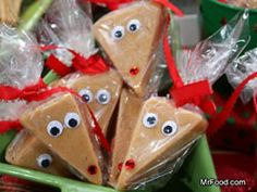The holiday's aren't the holiday's without peanut butter fudge! It also makes a great gift idea. I found this cute idea on Pinterest for wrapping the fudge individually to give as gifts which I thought it was super cute!