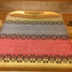 Leker lite med färger 💕 #munkabälte #väv#väva #vävning #hemvävt #handvävt #ull#lin#weaving #weaversofinstagram