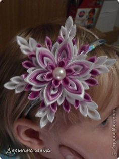 I present to you a master class a snowflake. Making it in the newspaper, tell whether everything is clear. The colors used white and purple, her daughter under a dress for the new year. photo 14