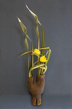 Phormium tenax 'Yellow Wave', Tulips - Design 15 - Freestyle - Sogetsu Ikebana flowerarranging ~ Chrissie Harten
