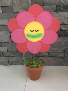 Trolls centerpieces  trolls flowers