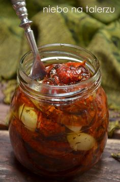 heaven on a plate: The best home-dried tomatoes Vegetarian Recipes, Healthy Recipes, Meals In A Jar, Polish Recipes, Fermented Foods, Dried Tomatoes, Canning Recipes, Detox Recipes, Chutney
