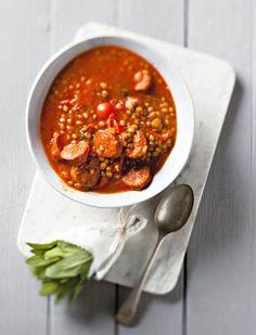 Chorizo is 'n Spaanse wors met 'n spesery-smaak. Soup Recipes, Dessert Recipes, Cooking Recipes, Healthy Recipes, Desserts, South African Recipes, Ethnic Recipes, Good Food, Yummy Food