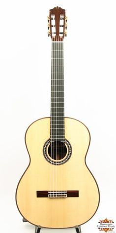Cordoba's Luthier Series is aimed at players looking for an all solid, concert level instrument at a reasonable price.  This spectacular sounding guitar features a SOLID SPRUCE top, SOLID Rosewood back and sides, and beautiful rosewood veneer over the peghead. Adjustable truss rod for easy tweaks. Gold tuners with black buttons. Beautiful mother of pearl and ebony rosewood round out this exquisite guitar. Included in sale is a high quality Cordoba Polyfoam hardcase. 650mm scale.  This…