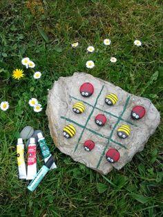Make Tic Tac Toe game with stones - Spiel Tic Tac Toe Game, Tic Toe, Homemade Muesli, Cork Crafts, Kinds Of Salad, Potpourri, Crafts For Kids, Children Crafts, Crafty