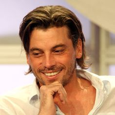 Skeet Ulrich to Star in CBS's 'Anatomy of Violence' Pilot From ...