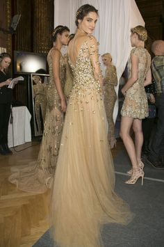 Gorgeous gold gowns-would love to wear a dress like this someday