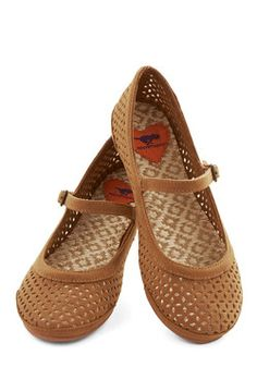 Get Cutout of Town Flat in Brown, #ModCloth I neeeeeed these!