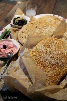 Λαγάνες του ονείρου ⋆ Cook Eat Up! Croissant Donut, Croissants, Bread Recipes, Camembert Cheese, Donuts, Food And Drink, Crescents, Beignets
