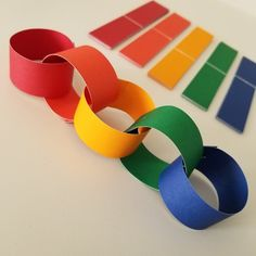 Best 12 If you need bright and colourful decorations, look no further than this double sided paper chain kit! Perfect for Easter celebreations or birthday parties for all ages. This DIY kit is sturdy enough to store for re-use: use a stapler and store in Preschool Crafts, Fun Crafts, Crafts For Kids, Arts And Crafts, Paper Flowers Craft, Flower Crafts, Rainbow Paper, Rainbow Wall, Ramadan Crafts