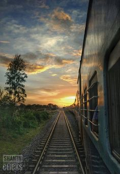 Glorious sunset on the way to Mysore.