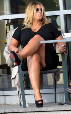 Karolina Szostak Boobs, Backless, Curvy, Women's Fashion, Model, Dresses, Legs, Mango, Vestidos