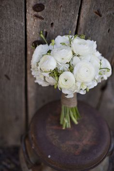 Beautiful blooms wrapped in twine. Photography by danistephenson.com, Floral Design by allureeventflorists.com