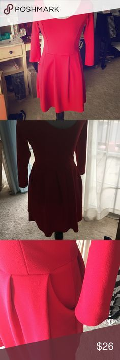 Charlotte Russe dress WITH POCKETS Only worn once. Great condition. Size medium. Beautiful color Charlotte Russe Dresses Midi