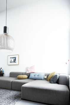 home belonging to Lys Vintage storeowner Simone shot by Janne Peters - Living Room Interior, Home Living Room, Living Room Designs, Living Room Decor, Living Spaces, Living Area, Casa Loft, Living Room Inspiration, Home Design