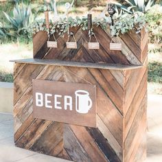 No wedding is complete without a beer bar Craft Beer Wedding, Diy Wedding Bar, Brewery Wedding, Bar Mobile, Prosecco Bar, Beer Taps, Decoration, Bamboo Furniture, Handmade Furniture
