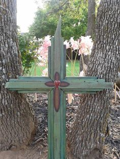 Beautiful cross for wall hanging, yard art or wedding - salvaged wood from Moore Oklahoma Tornado 2013 Crosses Decor, Wood Crosses, Wooden Christmas Decorations, Christmas Crafts, Grieving Gifts, Oklahoma Tornado, Crafts For Kids, Arts And Crafts, Wedding Cross