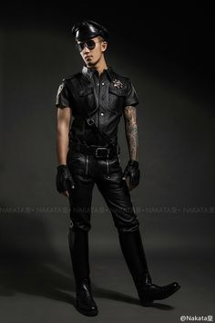Leather Jeans, Leather Boots, Black Leather, Men In Uniform, Asian Men, Sensual, Black Men, Beautiful Men, Mens Fashion
