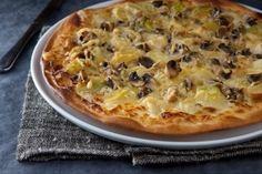 Pizza aux champignons de Paris et poireaux, les recettes de nos chefs