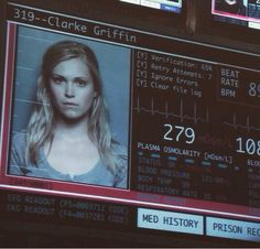 She even looks hot in her mugshot #ClarkeGriffin #The100