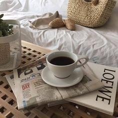 Imagem de aesthetic, coffee, and beige Brown Aesthetic, Aesthetic Food, Aesthetic Photo, Cream Aesthetic, Aesthetic Coffee, Aesthetic Style, Photography Aesthetic, Aesthetic Outfit, Aesthetic Vintage