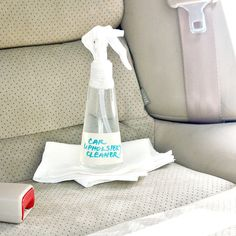 Get That New-Car Feeling With This DIY Upholstery Cleaner. Combine dish soap and borax. Pour boiling water over soap and borax. Put in spray bottle. Car Cleaning, Diy Cleaning Products, Cleaning Hacks, Cleaning Solutions, Cleaning Supplies, Cleaning Recipes, Daily Cleaning, Organizing Solutions, Diy Products