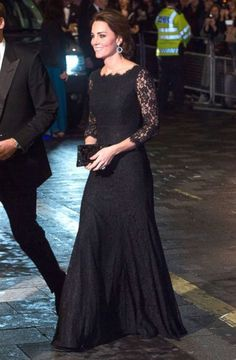 PHOTO: Catherine, Duchess of Cambridge, attends The Royal Variety Performance at the London Palladium, Nov. 13, 2014 in London. (Samir Hussein/Getty Images)