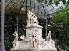 Monument to Nicola Demidoff by Lorenzo Bartolini, piazza Demidoff, Florence