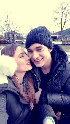 Yamira Baby Swag, Cute Actors, Turkish Actors, Couple Pictures, Dove Cameron, Cute Couples, Fangirl, Winter Hats, Actresses