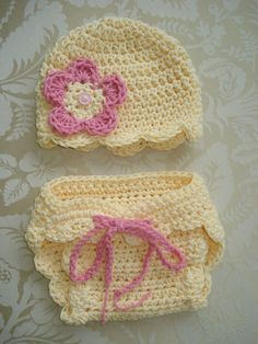 Crochet Diaper Set... love the scalloped edge on diaper cover