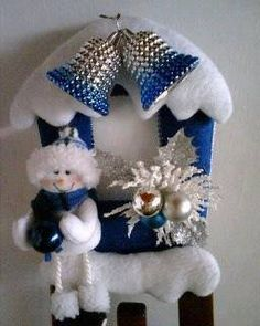 APAGADOR DE NIEVES Xmas Decorations, Christmas Humor, Snowman, Mickey Mouse, Santa, Wreaths, Crochet, Crafts, Home Decor