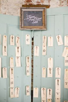 antique key seating chart // photo by Jennifer Boyle Photography // http://ruffledblog.com/sentimental-brooklyn-wedding