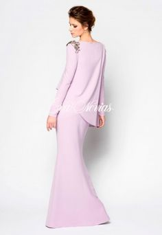 Vestido de fiesta Modelo Alegria cape with sleeves dress Muslim Fashion, Modest Fashion, Girl Fashion, Fashion Dresses, Cape Dress, I Dress, Wedding Dress For Short Women, Simple Gowns, Hijab Fashion Inspiration