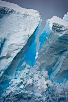 WHAT IS A GLACIER MADE OF?A glacier might look like a solid block of ice, but it is actually moving very slowly. The glacier moves because pressure from the weight of the overlying ice causes it to deform and flow. Meltwater at the bottom of the glacier helps it to glide over the landscape.